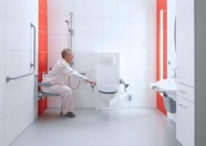 Testival 2021 – Help, een beurse bips! Het kiezen van de juiste douchestoel is zo makkelijk nog niet…