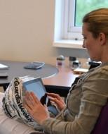 Boekenstandaard tablet kussen van Loungies