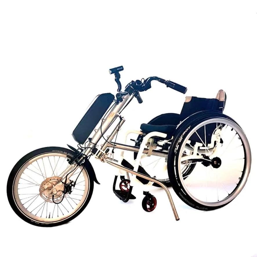 Elektrische aankoppelbike Tracker 20 E-Drive gekoppeld aan rolstoel