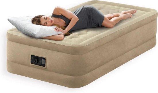 Elektrisch opblaasbaar luchtbed van Intex