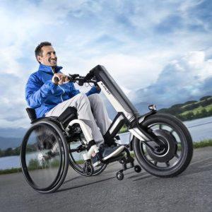 Elektrische handbike rolstoel E-Pilot van Alber gebruik2