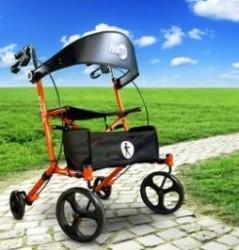 Een rollator is voor oude mensen. Welnee, er zijn ook vlotte designmodellen!