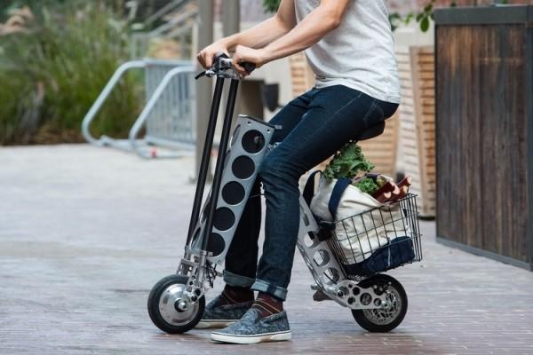opvouwbare elektrische scooter urb-e in gebruik